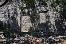House Ruins in Micro Horio. (j).