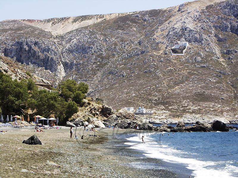 Platis Yialos Beach. (b).