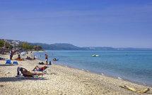 Polichrono beach. (a).