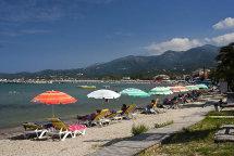 Roda Beach. (b)