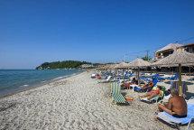 Siveri Beach. (a).