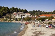 Siveri Beach. (b).