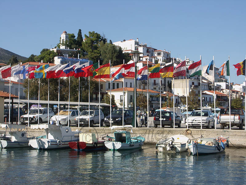 Skiathos Town Harbor. (a).