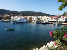 Skiathos Town Harbour. (b).