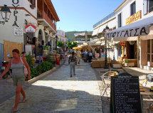 Skiathos Town. (b).