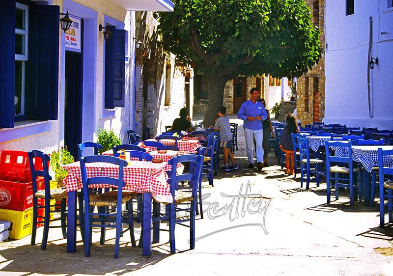 Taverna in Old Allonissos