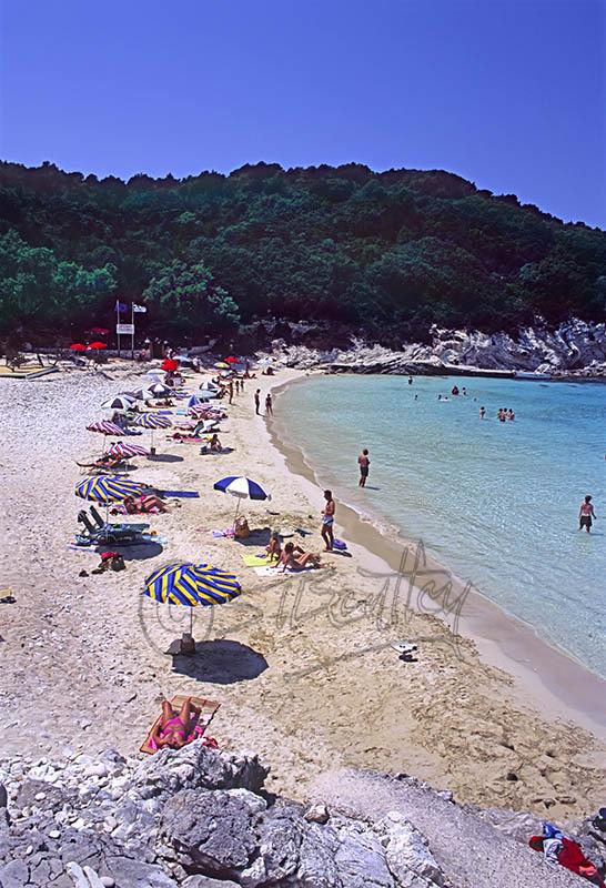 Vrika Beach, Anti-Paxos (c)