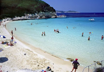 Vrika Beach, Anti-Paxos.(b).