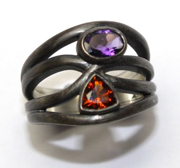 Black Silver Garnet and Amethyst Wave ring £300