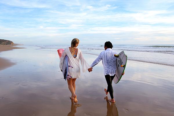 BRIDE AND GROOM ON THE BEACH3