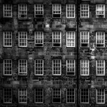 lawnmarket windows