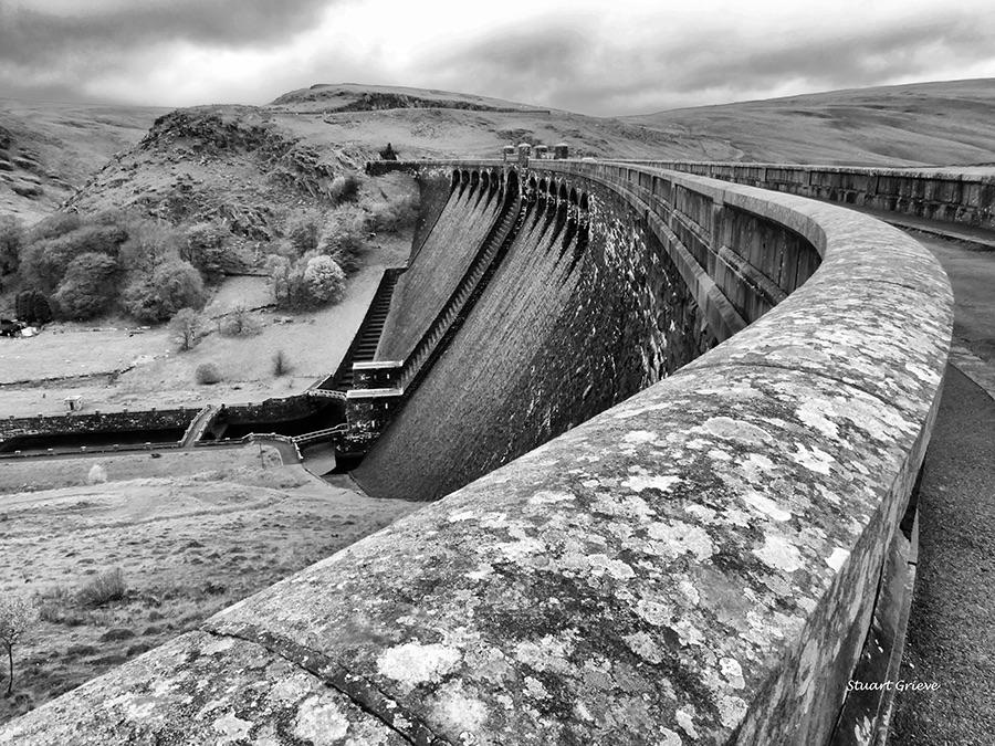 Claewen Dam Mono
