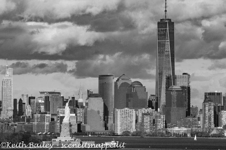 #27 Manhattan Skyline & Statue Of Liberty - Mono Study