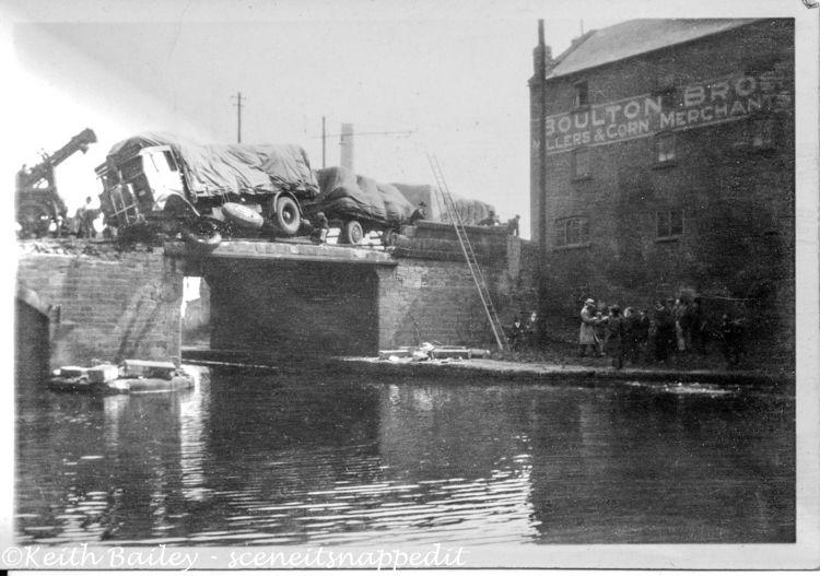 BG3 Belvue Wakefield Lorry Crash 1932