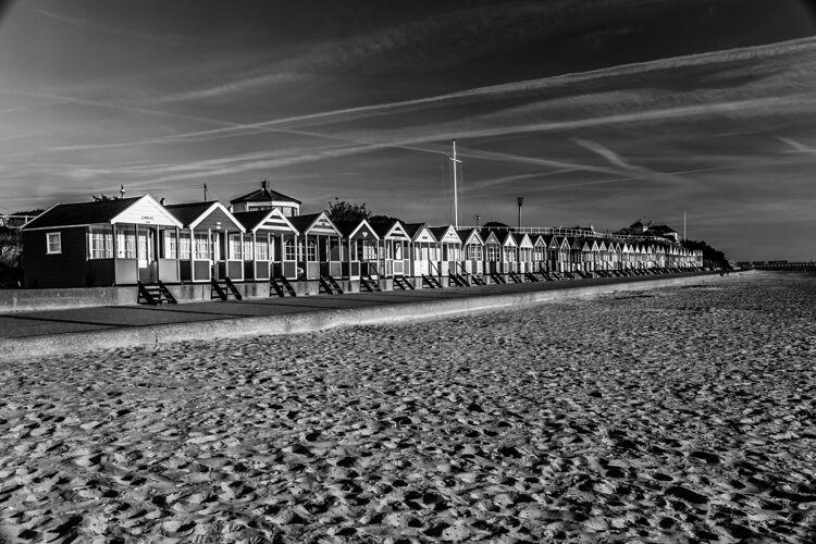 Southwold Beach Huts (Mono)