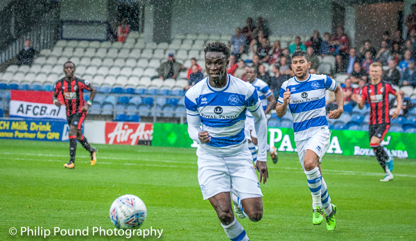 Idrissa Sylla chasing the ball