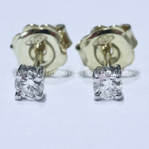 18CT YELLOW WHITE GOLD FOUR CLAW DIAMOND 0.30CT STUD EARRINGS (WAS £500.00) NOW £450.00