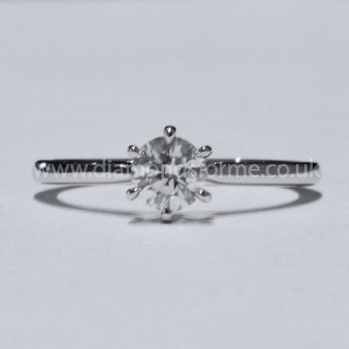 18CT WHITE GOLD  FSI1 GRADE DIAMOND 0.50CT RING & INCLUDES GIA CERTIFICATE. (WAS £2250.00) NOW £2000.00
