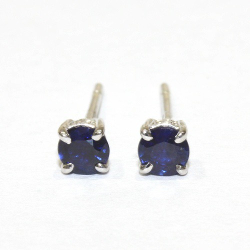 9CT WHITE GOLD FOUR CLAW BLUE SAPPHIRE STUD EARRINGS. (WAS £200.00) NOW £180.00