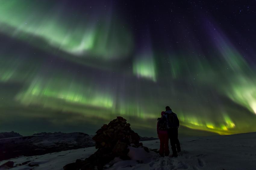 Aurora borealis with audience1