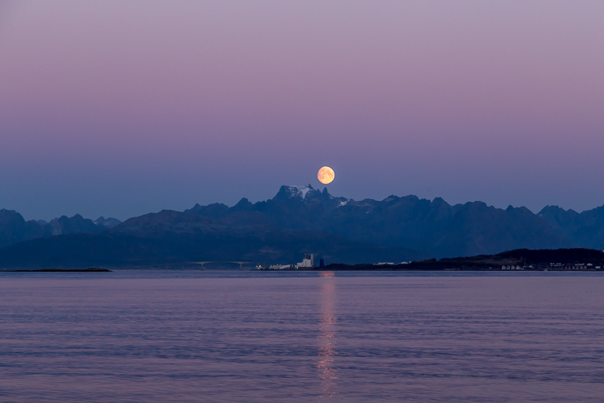 Moon at Mt Møysalen
