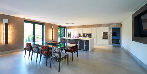 Spacious open plan kitchen 2016