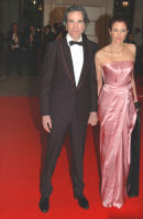 Daniel Day-Lewis & his wife.