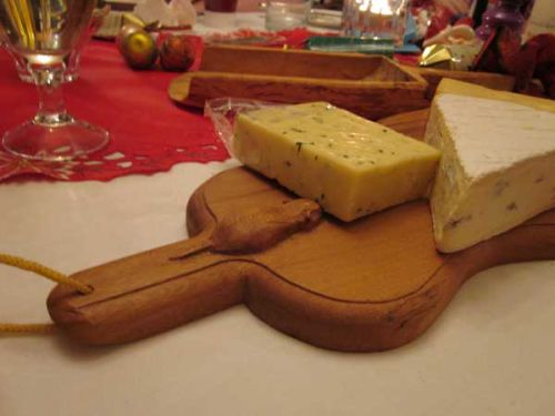 cheese board with mouse