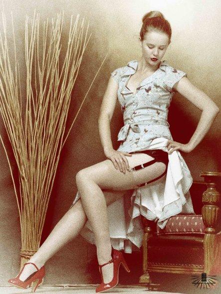 pin up boudoir photo shoot
