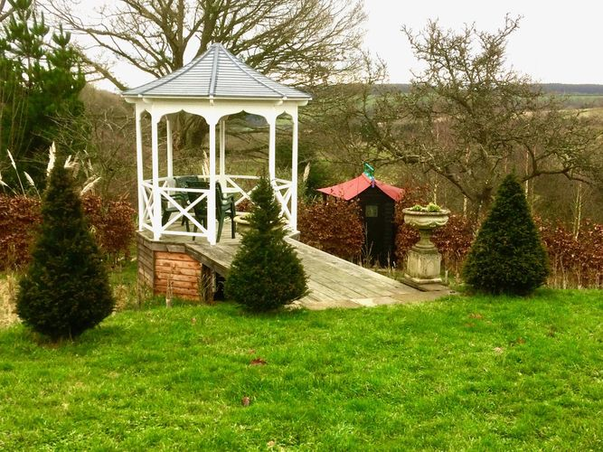 Bandstand to Gatehouse