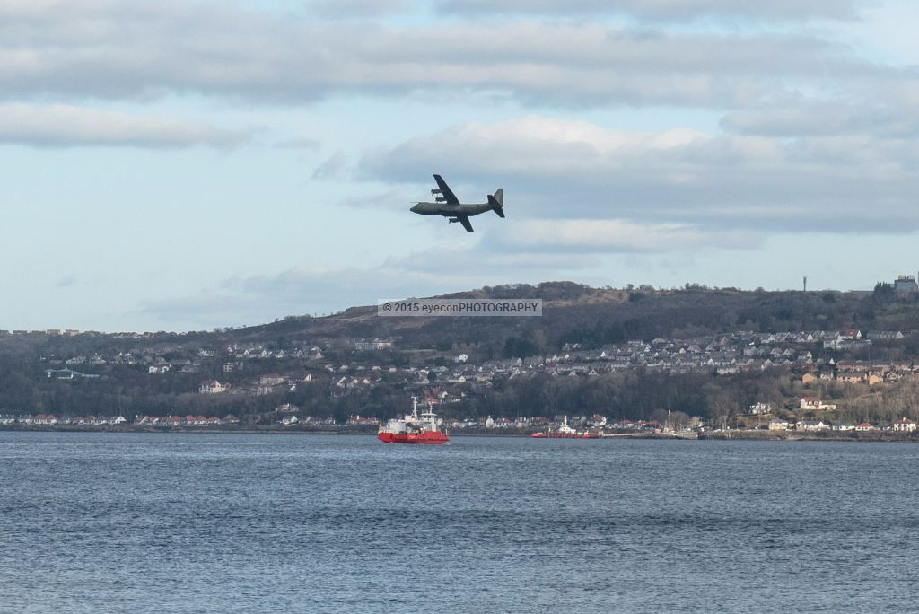 Low flying over the Clyde