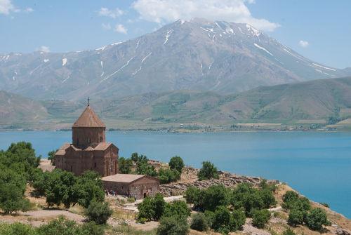 Akdamar Kilisesi, Church of the Holy Cross