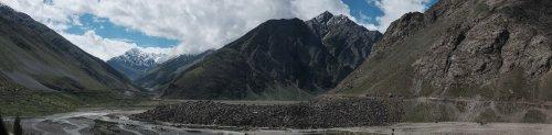 Towrards the Baralacha La pass