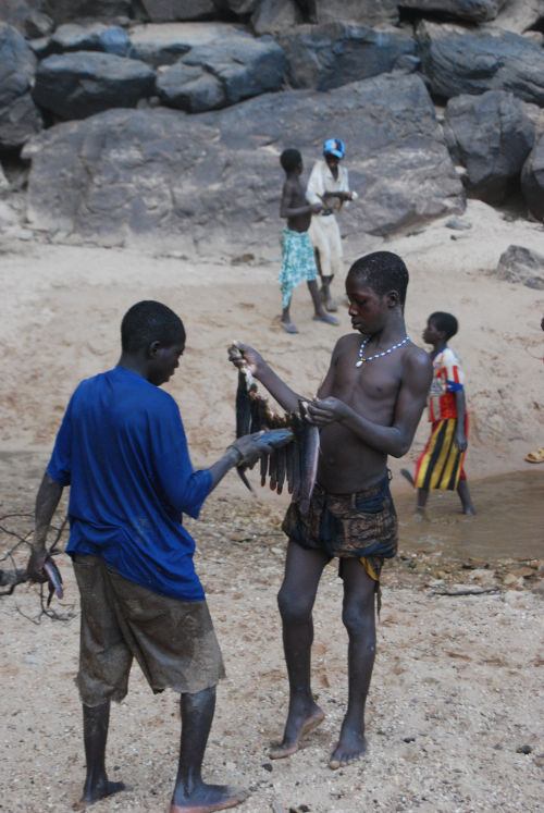 Fishing in Dogon village