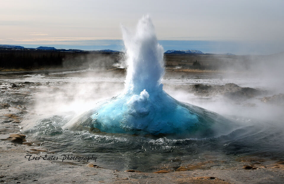 Eruption: Geyser.