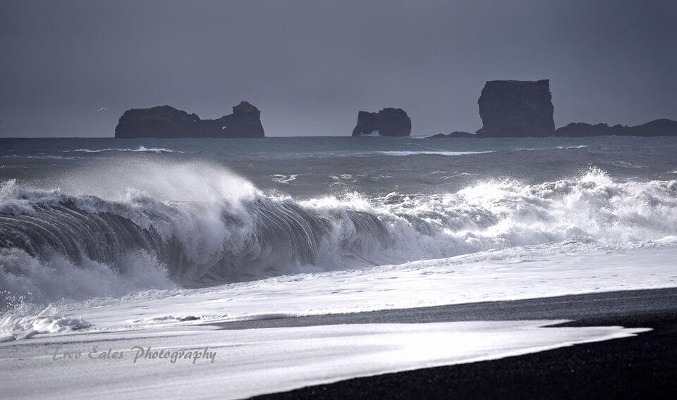Atlantic waves: Reynisfjara Beach.
