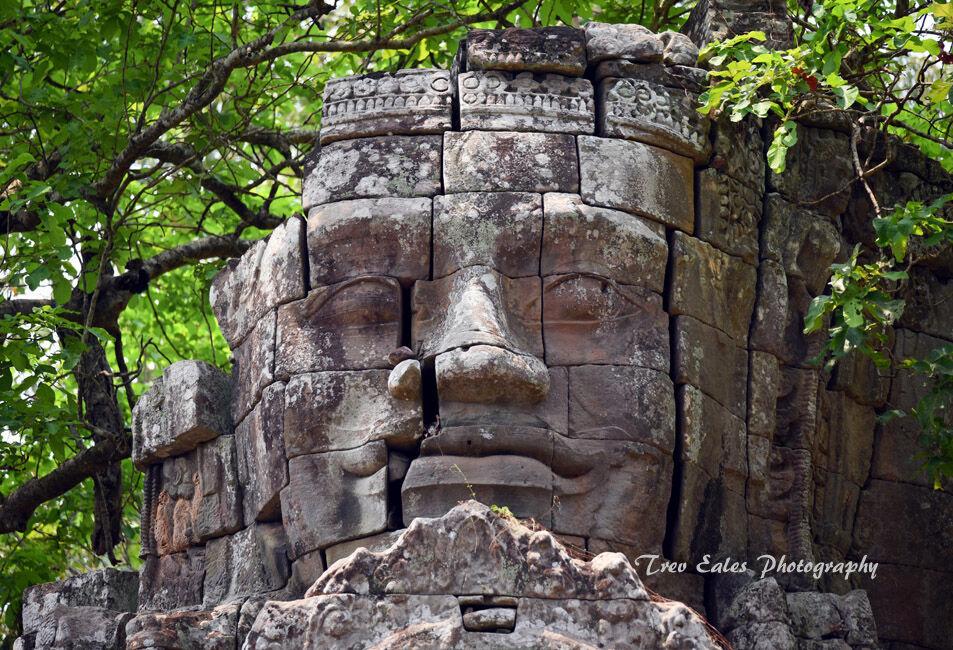 Entrance statue, Angkor Thom North Gate