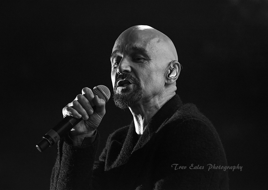 Tim Booth, James.