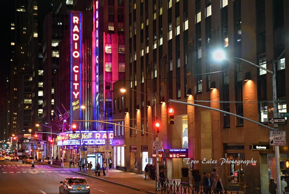 Radio City Music Hall, 6th Avenue