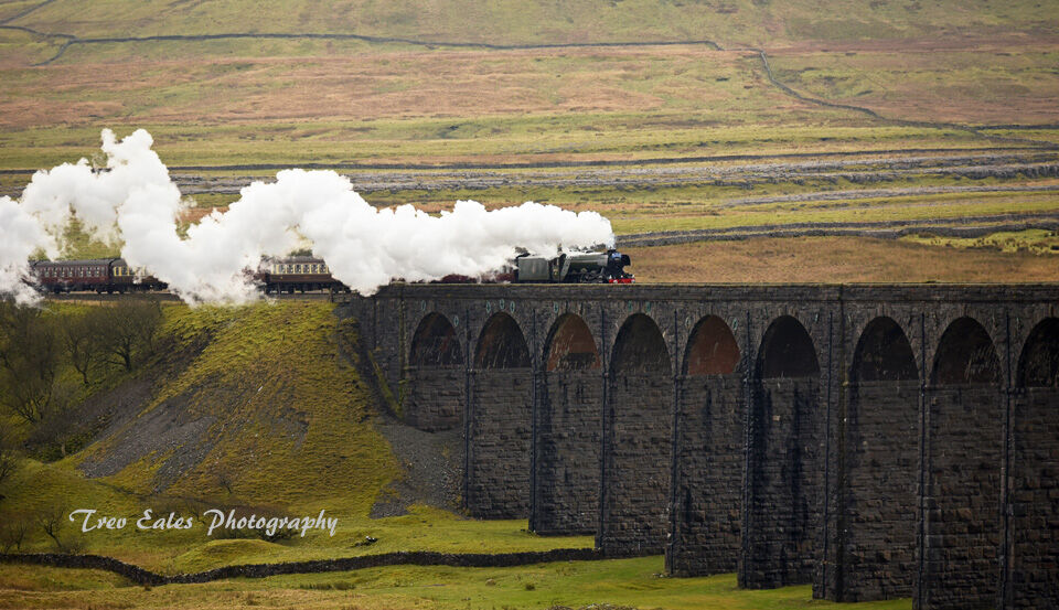 Flying Scotsman, crossing Ribblehead Viaduct.
