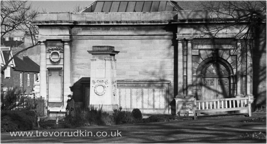 Alfred East Art Gallery and War Memorial Kettering 1981
