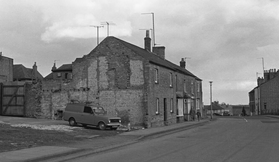 Glendon Road Rothwell 1982