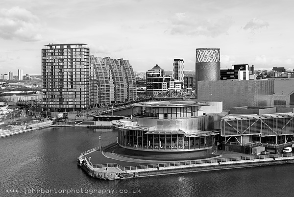 Salford Quays, Lowry Complex