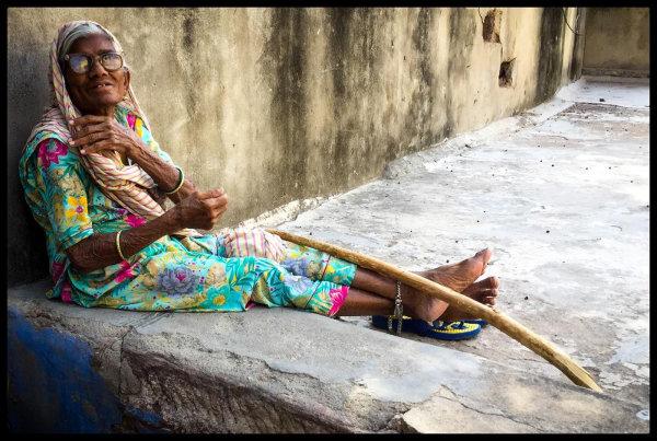 Auntyji in the shade - Jane Evans