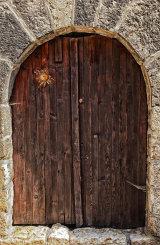 Cevennes door