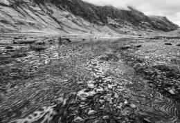 The River Coe about to flow into Loch Achtriochtan just behind me
