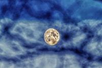 Waxing Machrie Moon
