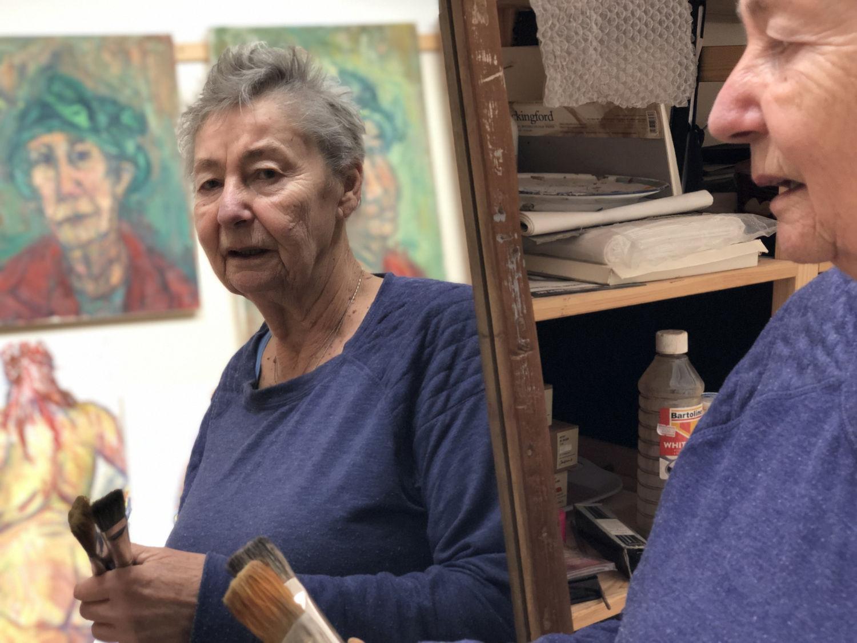 Val Robinson in Studio 9