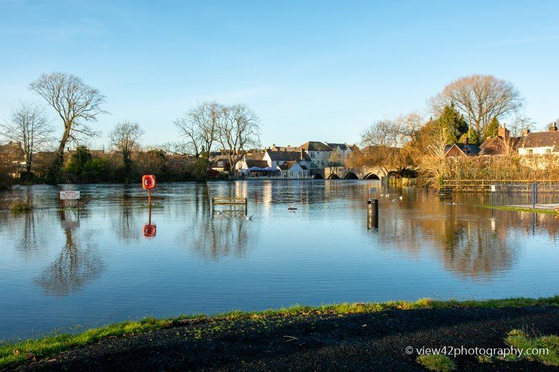 Sunshine at High River, Fordingbridge, December 2019