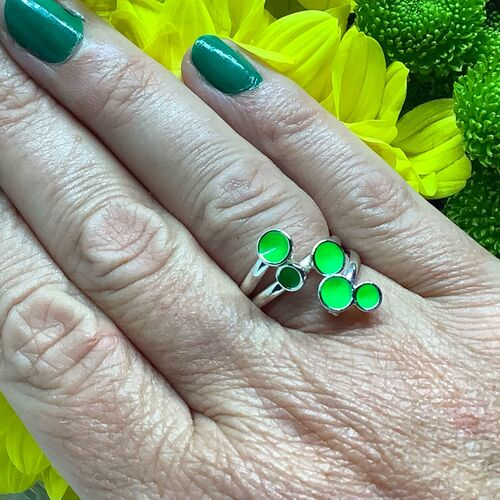 Sterling silver & fluorescent green adjustable wrap ring
